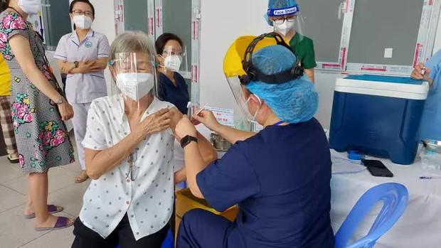 TP.HCM đề xuất thêm 6 triệu liều vắc-xin ngừa Covid-19 để bao phủ 2 liều - Ảnh 1.