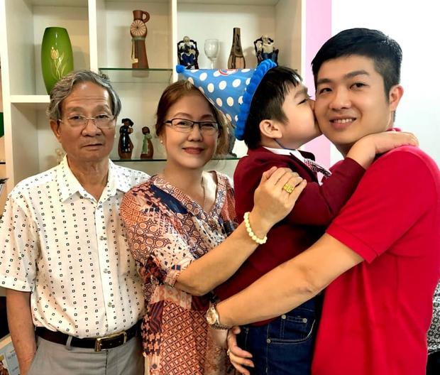 Động thái của chồng cũ Nhật Kim Anh giữa lúc nữ ca sĩ đăng clip bật khóc khi chưa thể đón con trai về sống cùng - Ảnh 4.