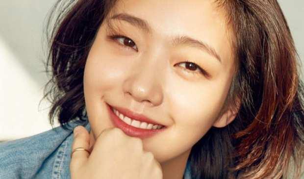 2 nữ diễn viên Hàn bị ném đá vì xấu hơn bạn diễn: Gong Hyo Jin còn phải ngậm ngùi xin lỗi fan nhà trai - Ảnh 2.
