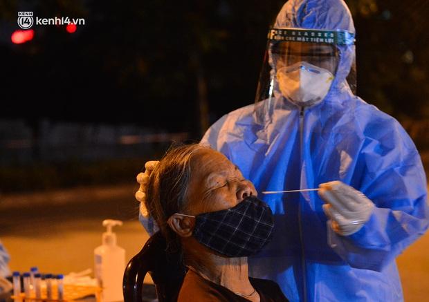 Hà Nội: Ổ dịch mới chưa rõ nguồn lây tại quận Long Biên đã có 18 ca dương tính SARS-CoV-2 - Ảnh 1.