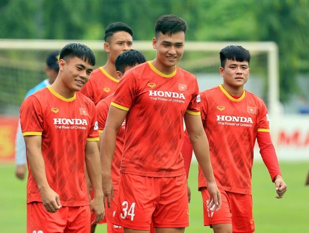 Chuyên gia Phan Anh Tú: Tập trung cho vòng loại World Cup, Việt Nam nên trẻ hoá lực lượng tại AFF Cup 2020 - Ảnh 3.