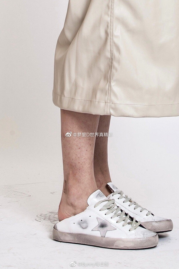 Hoảng hồn với ảnh không PTS của Nhiệt Ba: Làn da nhăn nheo đầy khuyết điểm, đôi chân sứt sẹo không nuột như tưởng tượng? - Ảnh 7.