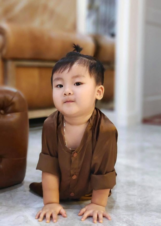 Con trai Hoà Minzy chiếm sóng MXH dịp Trung thu: Gặp chú Tễu tưởng vui ai ngờ... khóc thét! - Ảnh 5.