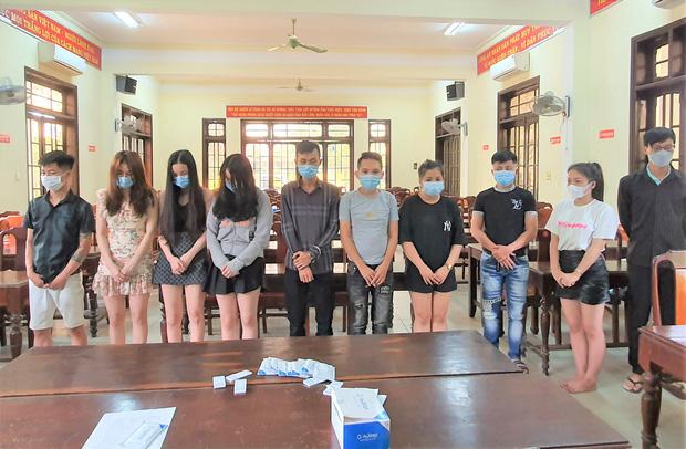 14 nam nữ thanh niên bay lắc tập thể trong 1 phòng nhà nghỉ lúc 0 giờ - Ảnh 1.