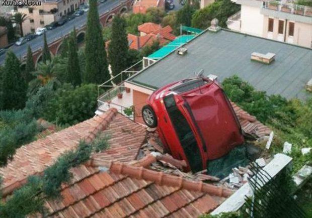 15 tình huống tai nạn khó hiểu tới mức nếu không có ảnh làm chứng sẽ bị bảo là bịa đặt - Ảnh 1.