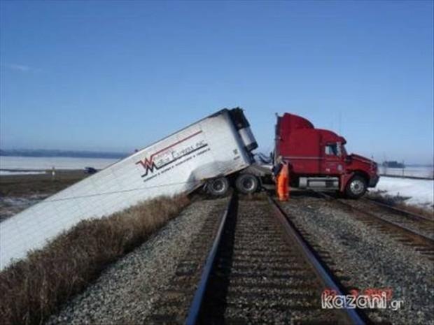 15 tình huống tai nạn khó hiểu tới mức nếu không có ảnh làm chứng sẽ bị bảo là bịa đặt - Ảnh 5.