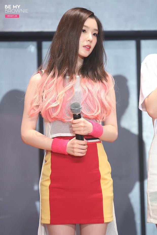 Loạt trưởng nhóm Kpop hack tuổi đỉnh cao: Taeyeon là chị cả mà tưởng em út, RM ngày càng lột xác sexy - Ảnh 11.
