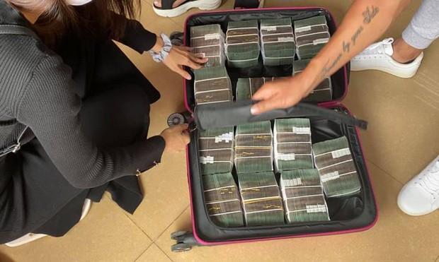 Chỉ trong gần 3 tiếng, Thuỷ Tiên rút 30 tỷ đồng tiền mặt ở TP.HCM và Huế: Netizen tranh cãi nảy lửa 3 điều? - Ảnh 7.