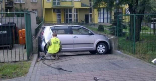 15 tình huống tai nạn khó hiểu tới mức nếu không có ảnh làm chứng sẽ bị bảo là bịa đặt - Ảnh 14.