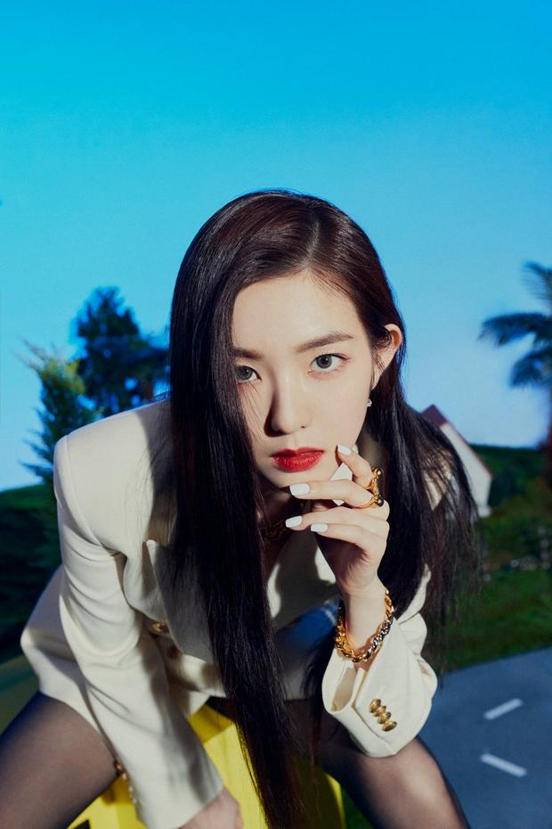 Loạt trưởng nhóm Kpop hack tuổi đỉnh cao: Taeyeon là chị cả mà tưởng em út, RM ngày càng lột xác sexy - Ảnh 14.