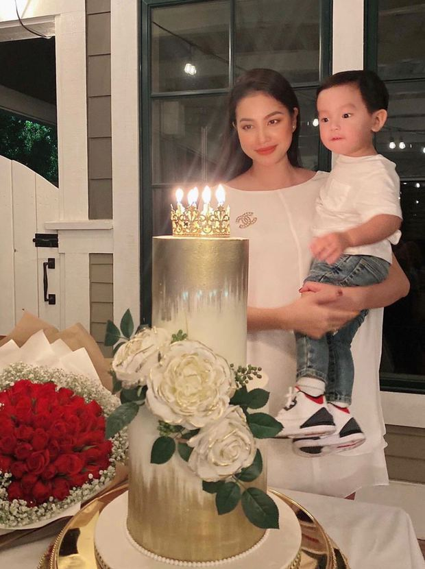 Không còn úp mở, Hoa hậu Phạm Hương chính thức hé lộ dung mạo cưng xỉu của nhóc tỳ thứ 2! - Ảnh 3.