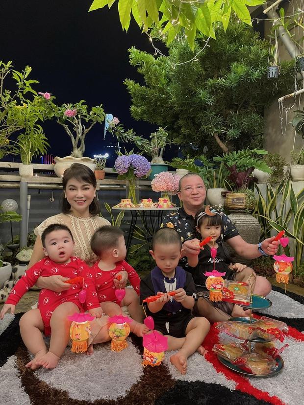 Sau tin đồn ly hôn, Diệp Lâm Anh hé lộ quan hệ với nhà chồng chỉ qua 3 bức ảnh Trung thu, spotlight đổ dồn vào visual mẹ chồng hào môn - Ảnh 3.