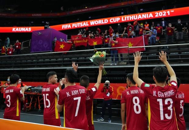 [Trực tiếp vòng 1/8 Futsal World Cup] Nga vs Việt Nam (HT): VÀOOOO!!!! Đắc Huy dứt điểm tung lưới á quân thế giới - Ảnh 17.