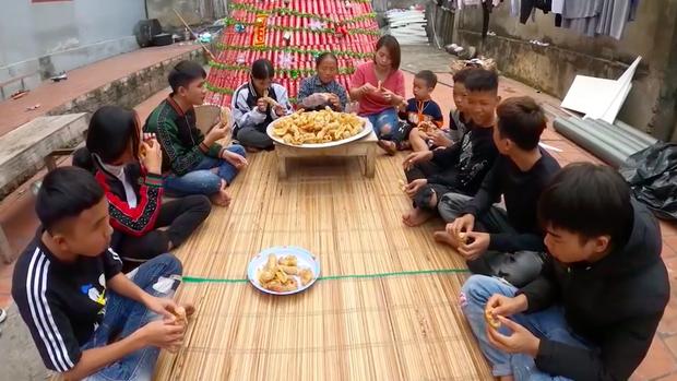 Bữa ăn giả trân nhất ở nhà Bà Tân Vlog: Các cháu lặng im, gắng gượng mãi mới nói được câu cảm thán này - Ảnh 6.
