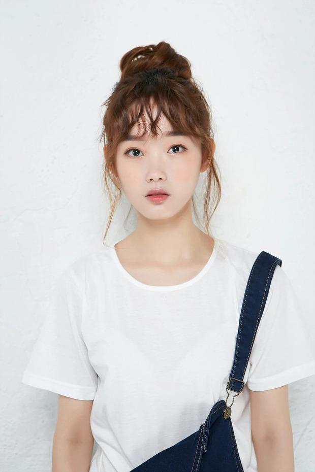 Bao nhiêu năm Kbiz mới tìm ra nhan sắc giống nữ thần Sulli, khí chất đỉnh như Lee Sung Kyung: Hoá ra là mỹ nhân của cơn sốt Squid Game? - Ảnh 5.