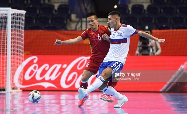 [Trực tiếp vòng 1/8 Futsal World Cup] Nga vs Việt Nam (HT): VÀOOOO!!!! Đắc Huy dứt điểm tung lưới á quân thế giới - Ảnh 4.
