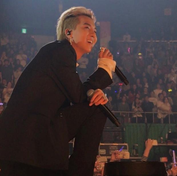 Cảm giác đi concert vé đứng là thế nào: Ngắm idol bằng camera thường rung lắc không dìm nổi nhan sắc cùng body siêu đỉnh - Ảnh 51.