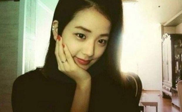 Lisa hé lộ lần đầu tiên gặp thành viên BLACKPINK: Cử chỉ ấn tượng của Jennie chưa chắc đã gây tò mò bằng nhan sắc Jisoo - Ảnh 7.