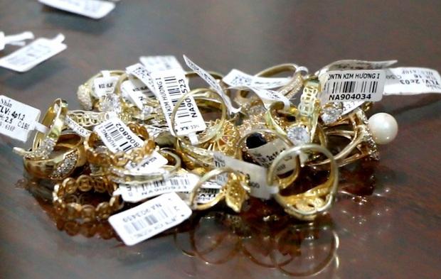 Vụ nữ nhân viên trộm hơn 2.300 nhẫn vàng: Số tiền gần 10 tỷ đồng từ bán vàng được dùng đầu tư vào tiền ảo - Ảnh 3.