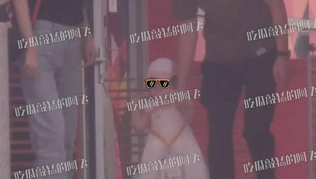 Lộ diện hình ảnh tiểu công chúa nhà Đường Yên, netizen bất ngờ với ngoại hình của bé cưng mới 1 tuổi rưỡi - Ảnh 4.