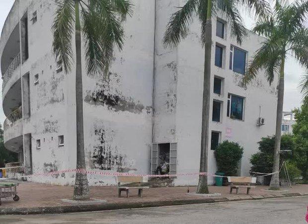 Nam bệnh nhân chết bất thường ở kho chứa rác Trung tâm y tế - Ảnh 2.