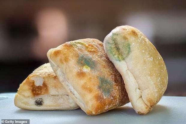 2 loại bánh mì được chuyên gia cảnh báo rằng có khả năng gây ung thư cao bậc nhất, đáng tiếc là nhiều người vẫn cố chấp ăn mỗi ngày - Ảnh 1.