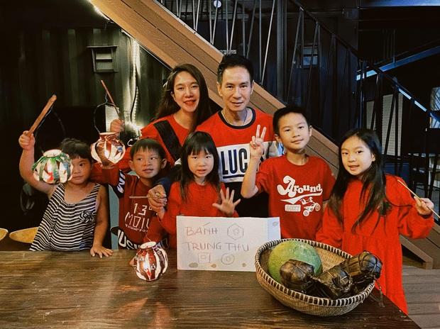 Rộ tin Lý Hải - Minh Hà bí mật sinh nhóc tỳ thứ 5, nguồn cơn từ loạt ảnh đêm Trung thu - Ảnh 2.