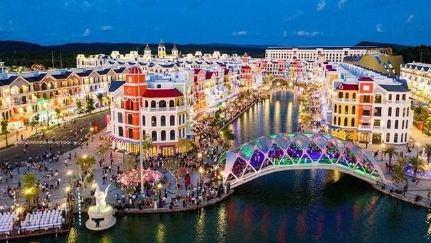 Phú Quốc chưa thể đón khách du lịch quốc tế vào tháng 10 - Ảnh 1.