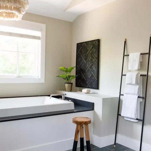 Người sành có 6 cách trưng khăn tắm cực sang, muốn lên hạng phòng tắm thì copy ngay - Ảnh 1.