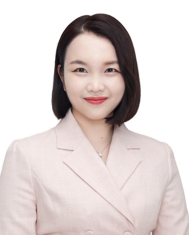 Sốc xỉu với profile diễn viên bắn tiếng Việt ở bom tấn Hàn: Thông dịch viên xịn, đóng phim đỉnh dữ luôn! - Ảnh 3.