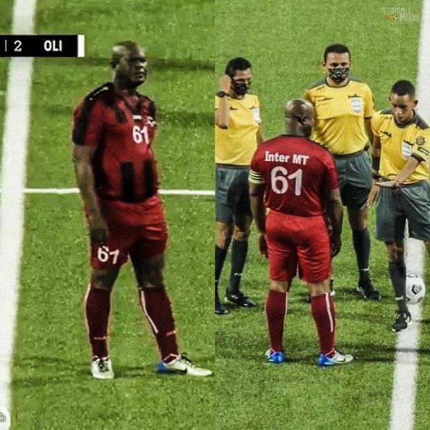 Phó Tổng thống 60 tuổi ra sân đá bóng chuyên nghiệp, tự đeo băng đội trưởng, khiến đội nhà thua đậm 0-6 - Ảnh 1.
