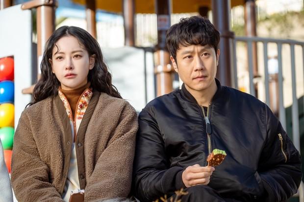 Cười sảng với 6 phim Hàn hài té ghế: Hospital Playlist vô địch giải tấu hề, Song Joong Ki dẫn đầu rạp xiếc trung ương - Ảnh 7.
