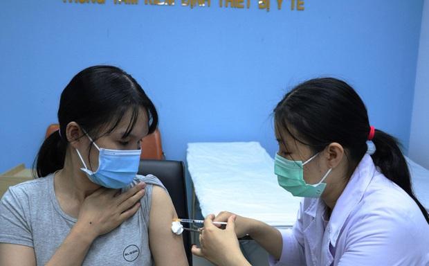 Quỹ vắc-xin đã tiêu hơn 4.000 tỷ, một nửa số tiền được đóng góp - Ảnh 1.