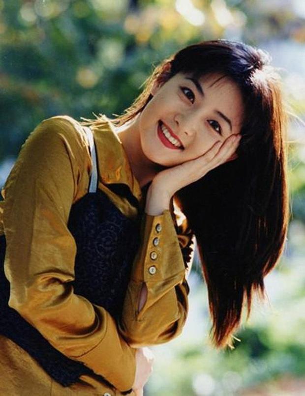 Thế nào là quốc bảo nhan sắc: Song Hye Kyo - Phạm Băng Băng tạo nên tiêu chuẩn khác xa nhau, thế giới có 2 icon tầm cỡ đối lập - Ảnh 4.