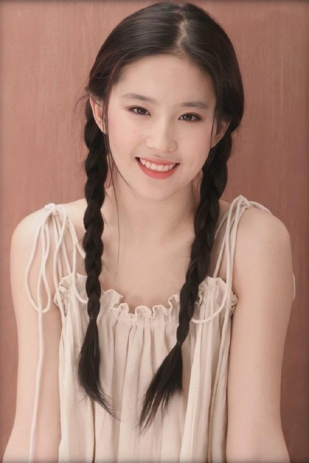 Thế nào là quốc bảo nhan sắc: Song Hye Kyo - Phạm Băng Băng tạo nên tiêu chuẩn khác xa nhau, thế giới có 2 icon tầm cỡ đối lập - Ảnh 34.
