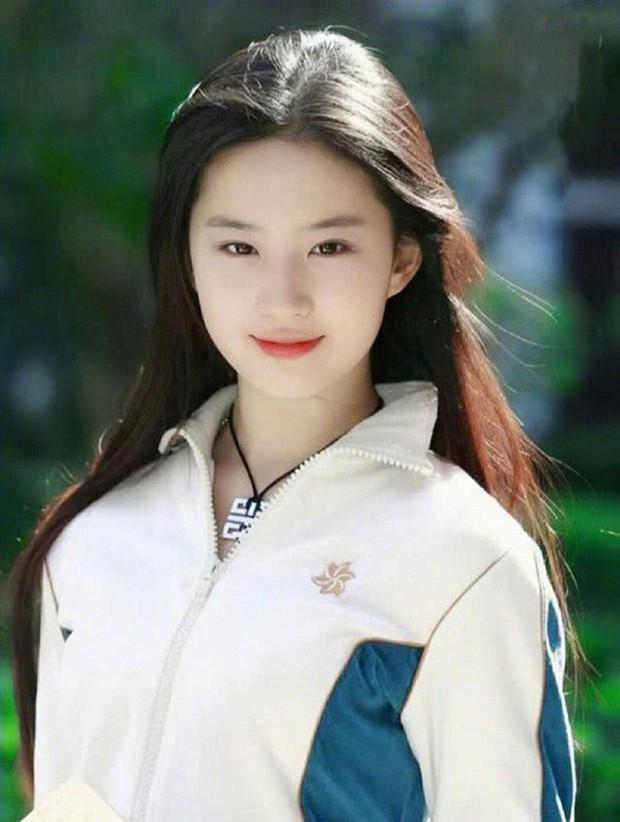 Thế nào là quốc bảo nhan sắc: Song Hye Kyo - Phạm Băng Băng tạo nên tiêu chuẩn khác xa nhau, thế giới có 2 icon tầm cỡ đối lập - Ảnh 33.