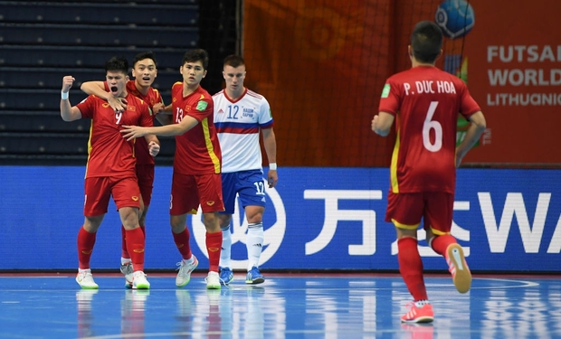 [Trực tiếp vòng 1/8 Futsal World Cup] Nga vs Việt Nam (HT): VÀOOOO!!!! Đắc Huy dứt điểm tung lưới á quân thế giới - Ảnh 2.