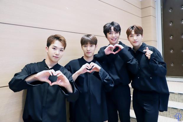 Nhóm nam cùng thời BTS và EXO tan rã sau 9 năm, sự nghiệp lận đận ít ai biết đến còn gặp biến cố trưởng nhóm qua đời - Ảnh 6.