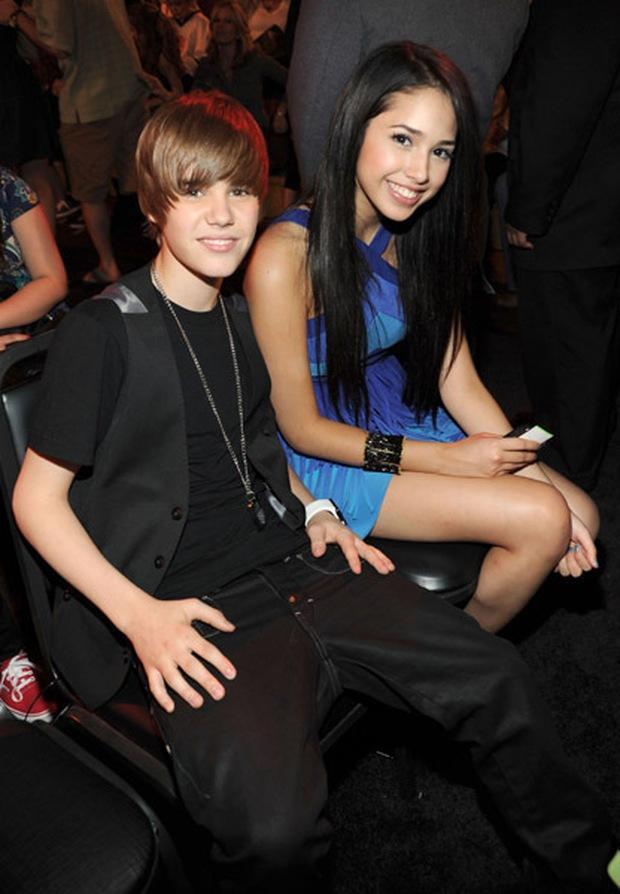 Nữ chính MV bị ghét nhất thế giới: Có mối tình gà bông với Justin Bieber 10 năm về trước nay đã là bà mẹ 2 con trông mòn con mắt - Ảnh 4.