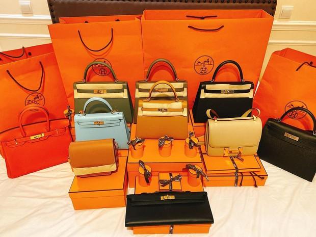 Danh tính con dâu tỷ phú một lần shopping ôm về nhà 10 chiếc túi Hermes và 10 chiếc túi Chanel - Ảnh 2.