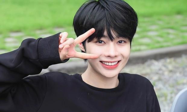 Nhanh hơn Hanbin, 1 thực tập sinh người Việt đã chính thức debut làm idol Kpop ngày hôm nay - Ảnh 1.