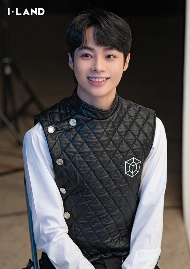 Nhanh hơn Hanbin, 1 thực tập sinh người Việt đã chính thức debut làm idol Kpop ngày hôm nay - Ảnh 11.