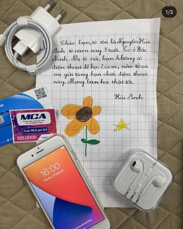 Bé gái 7 tuổi tặng bạn chiếc điện thoại iPhone 7 mới cứng để học online, xem bức thư lại càng thấm thía từng câu - Ảnh 1.