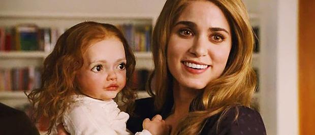Con của Bella - Edward trong Twilight vốn trông như này: Kinh dị đến đâu mà dàn cast điếng người, hiện tượng tâm linh xảy ra quá khiếp? - Ảnh 2.