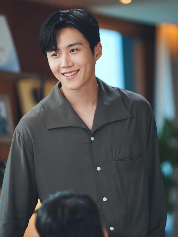 Loạt diễn viên Hàn đổi đời nhờ vai phụ: Cỡ Kim Seon Ho, Han So Hee thì ai mà không mê cho được - Ảnh 4.