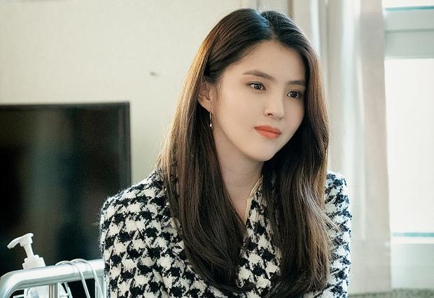 Loạt diễn viên Hàn đổi đời nhờ vai phụ: Cỡ Kim Seon Ho, Han So Hee thì ai mà không mê cho được - Ảnh 1.