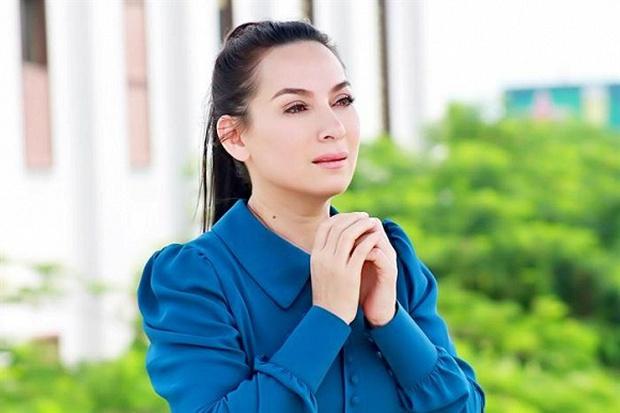 Xót lòng clip con nuôi Phi Nhung giàn giụa nước mắt: Mẹ Nhung ơi, bao giờ mẹ về, mau về với các con đi - Ảnh 6.