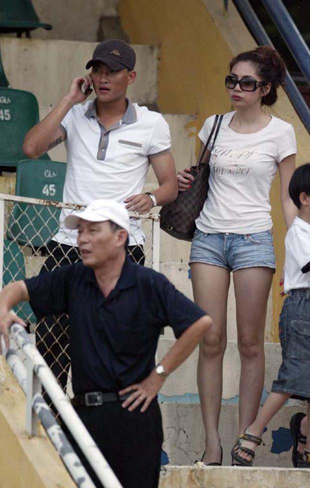 13 năm Thuỷ Tiên - Công Vinh: Từ scandal ảnh nóng, bị cấm cưới đến cái nắm tay cùng nhau đi qua sóng gió của vợ chồng Beck - Vic Việt - Ảnh 5.