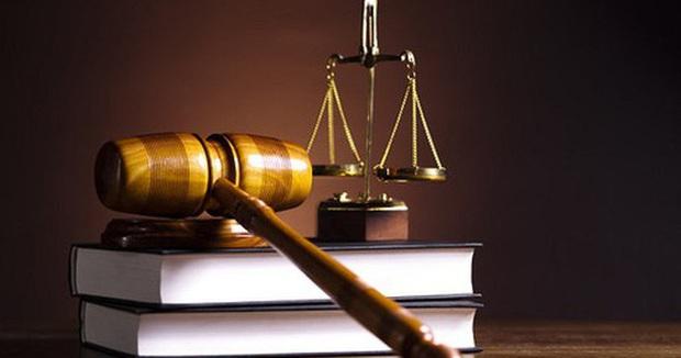 Tội vu khống, bịa đặt, bôi nhọ danh dự người khác có thể bị xử phạt đến 7 năm tù giam và bồi thường đến 10 tháng lương - Ảnh 1.