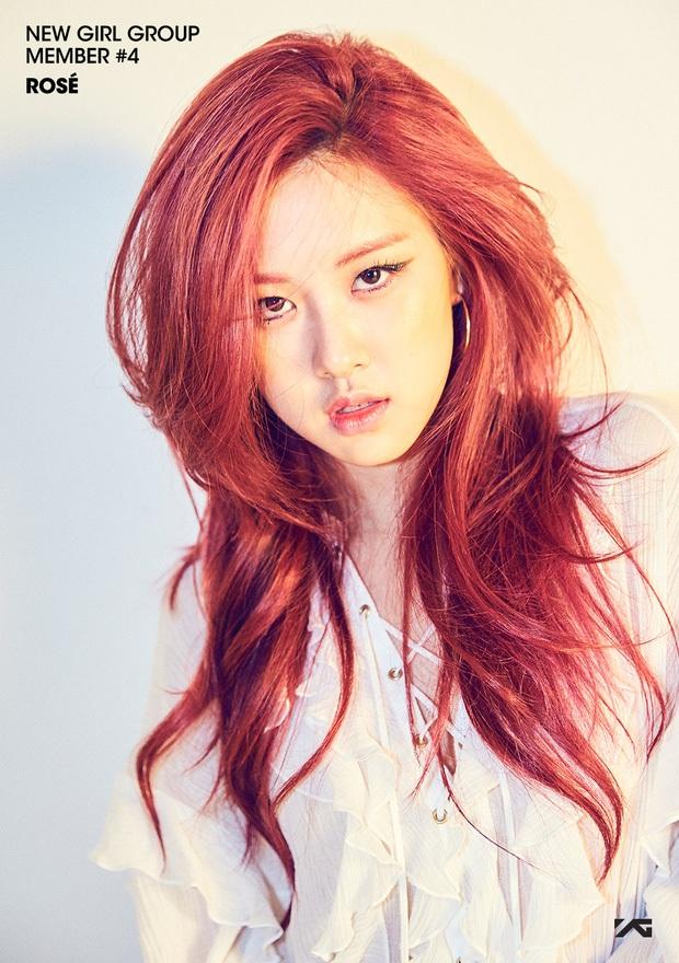 """Có ai còn nhớ Rosé (BLACKPINK) thời """"em còn non và xanh"""" thế nào không, nhìn cứ ngỡ chị em thất lạc với nữ idol nhà JYP này - Ảnh 8."""